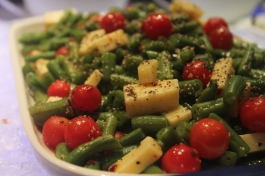 French beans and tomato salad